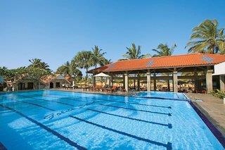 Goldi Sands - Sri Lanka