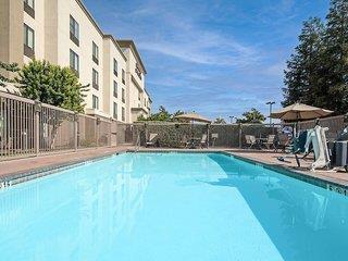Hampton Inn & Suites Bakersfield-HWY 58 - Kalifornien: Sierra Nevada