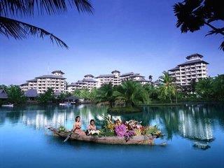 Meritime Park & Spa Resort
