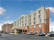 Holiday Inn Express Staten Island West - New York