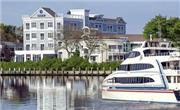 Hyannis Harbor - New England