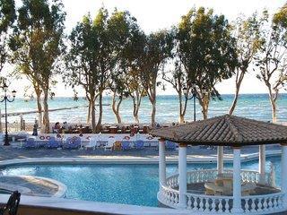Hotel Attika Beach & Villa