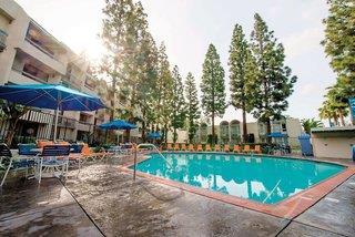 Hotel Howard Johnson Plaza Anaheim - Anaheim - USA
