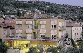 Hotel Astoria Torri Del Benaco