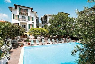 Hotel Crystal Residence