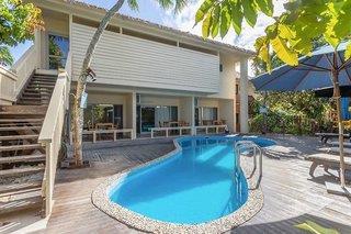 Hotel Castaway Beach Villas