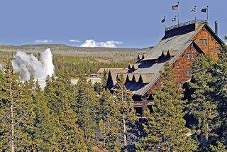 Hotel Old Faithful Inn
