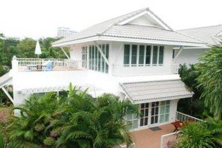 Hotel Baan Laksasubha Resort