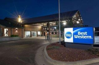 Hotel Parkway Plaza