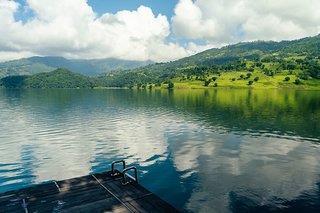 Hotel The Begnas Lake Resort & Villas